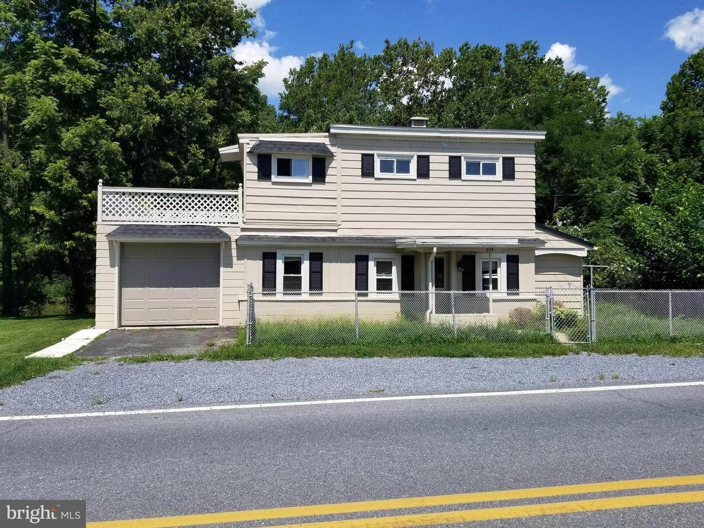 Residential for Sale at 655 S CHIQUES Road Manheim, Pennsylvania 17545 United States
