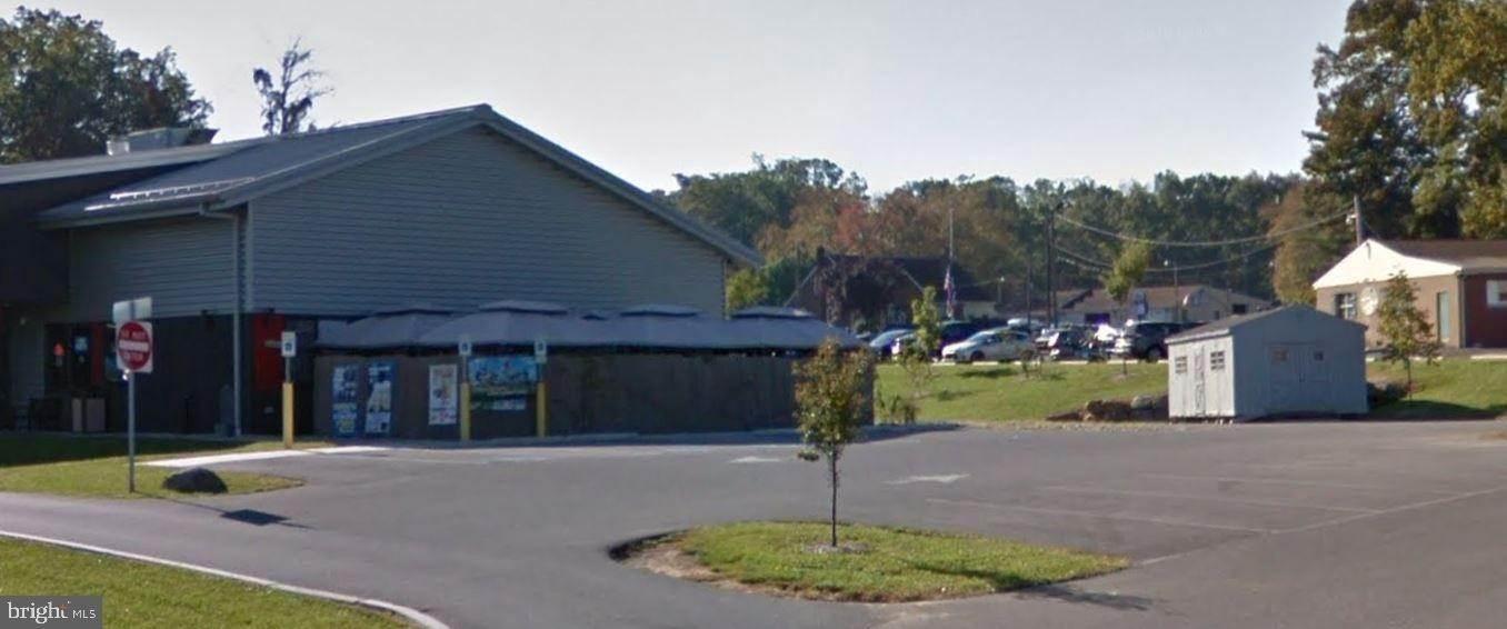 2. Commercial at 50 VETERANS Drive Elizabethtown, Pennsylvania 17022 United States