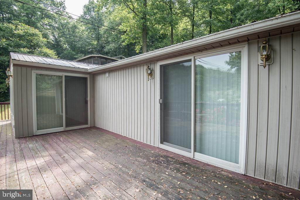 9. Residential for Sale at 411 PEACH BOTTOM Road Peach Bottom, Pennsylvania 17563 United States