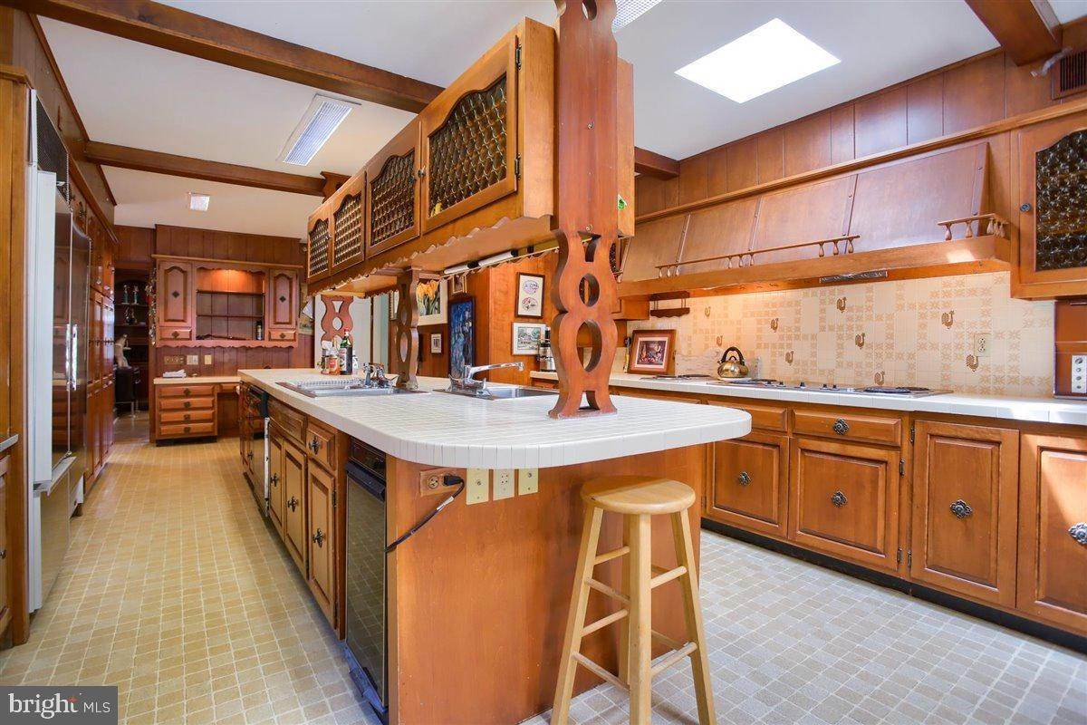 15. Residential for Sale at 1515 RIDGE Road Lancaster, Pennsylvania 17603 United States