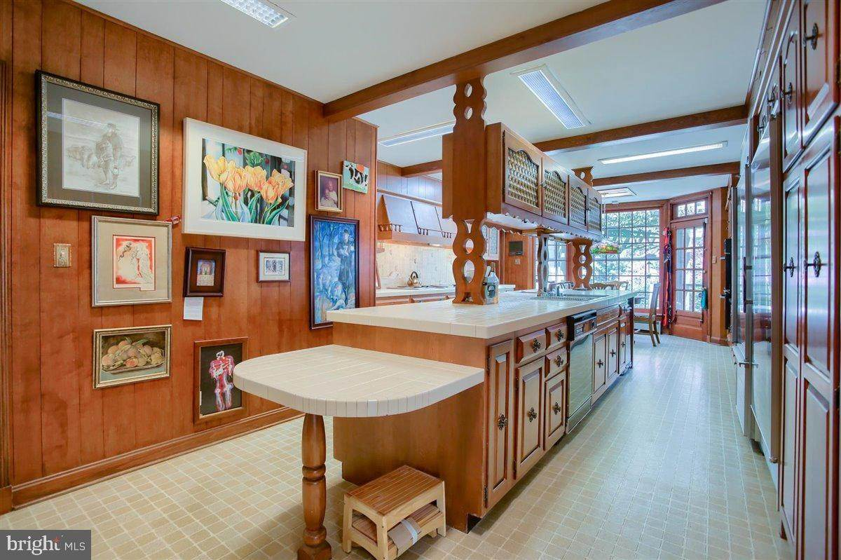 12. Residential for Sale at 1515 RIDGE Road Lancaster, Pennsylvania 17603 United States