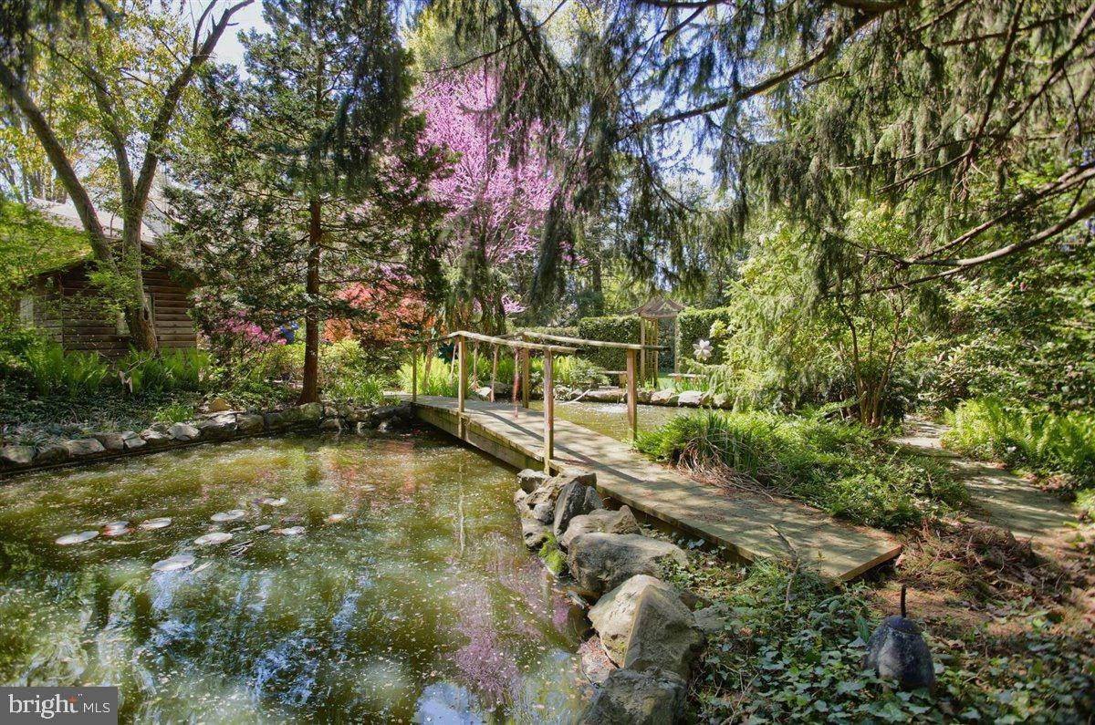 8. Residential for Sale at 1515 RIDGE Road Lancaster, Pennsylvania 17603 United States