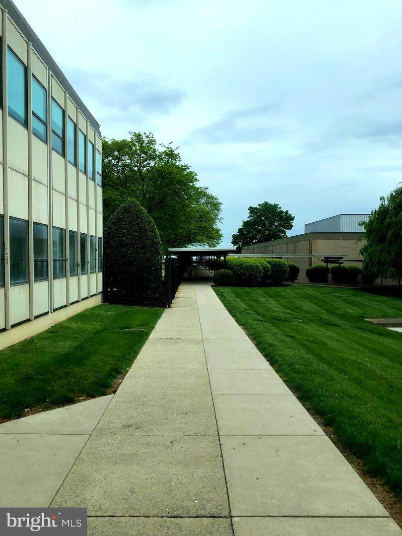 17. Commercial at 1000 NEW HOLLAND AVE #BUILDING 12 Lancaster, Pennsylvania 17601 United States