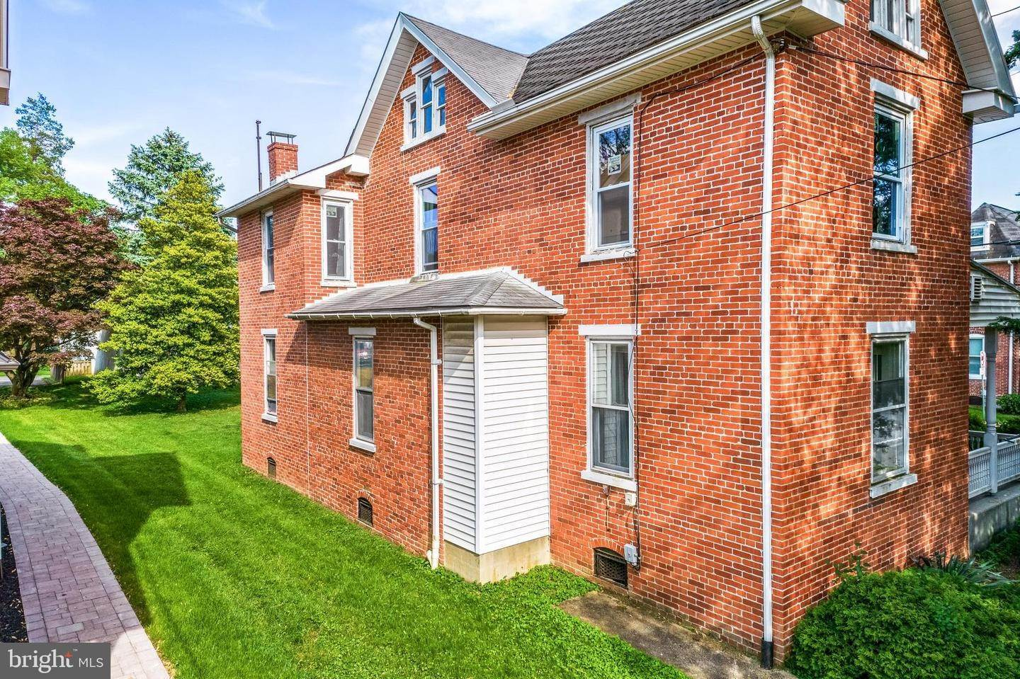 7. Multi Family for Sale at 5907 MAIN Street East Petersburg, Pennsylvania 17520 United States