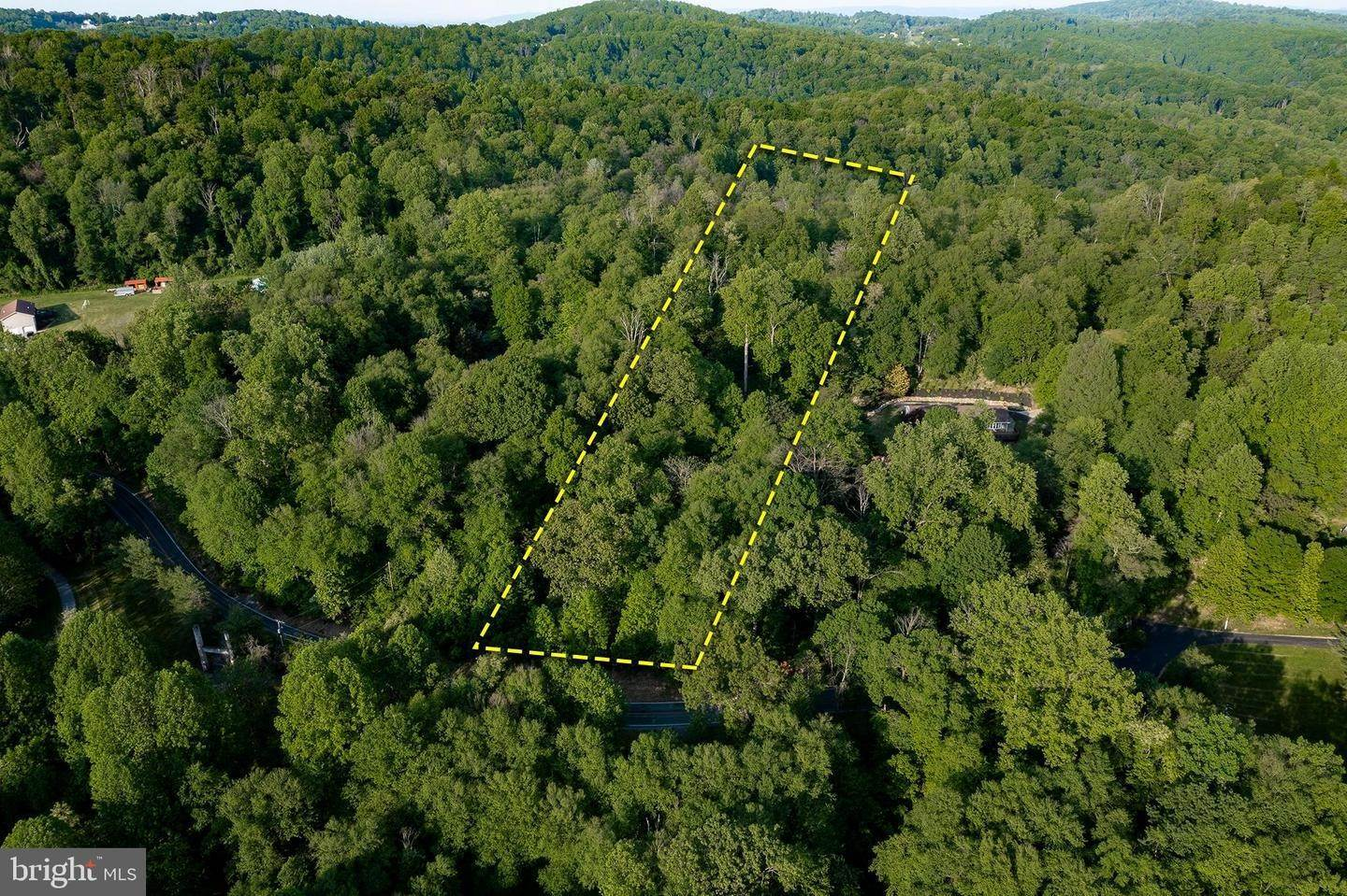 12. Residential for Sale at 1300 TEXTER MOUNTAIN Road Reinholds, Pennsylvania 17569 United States