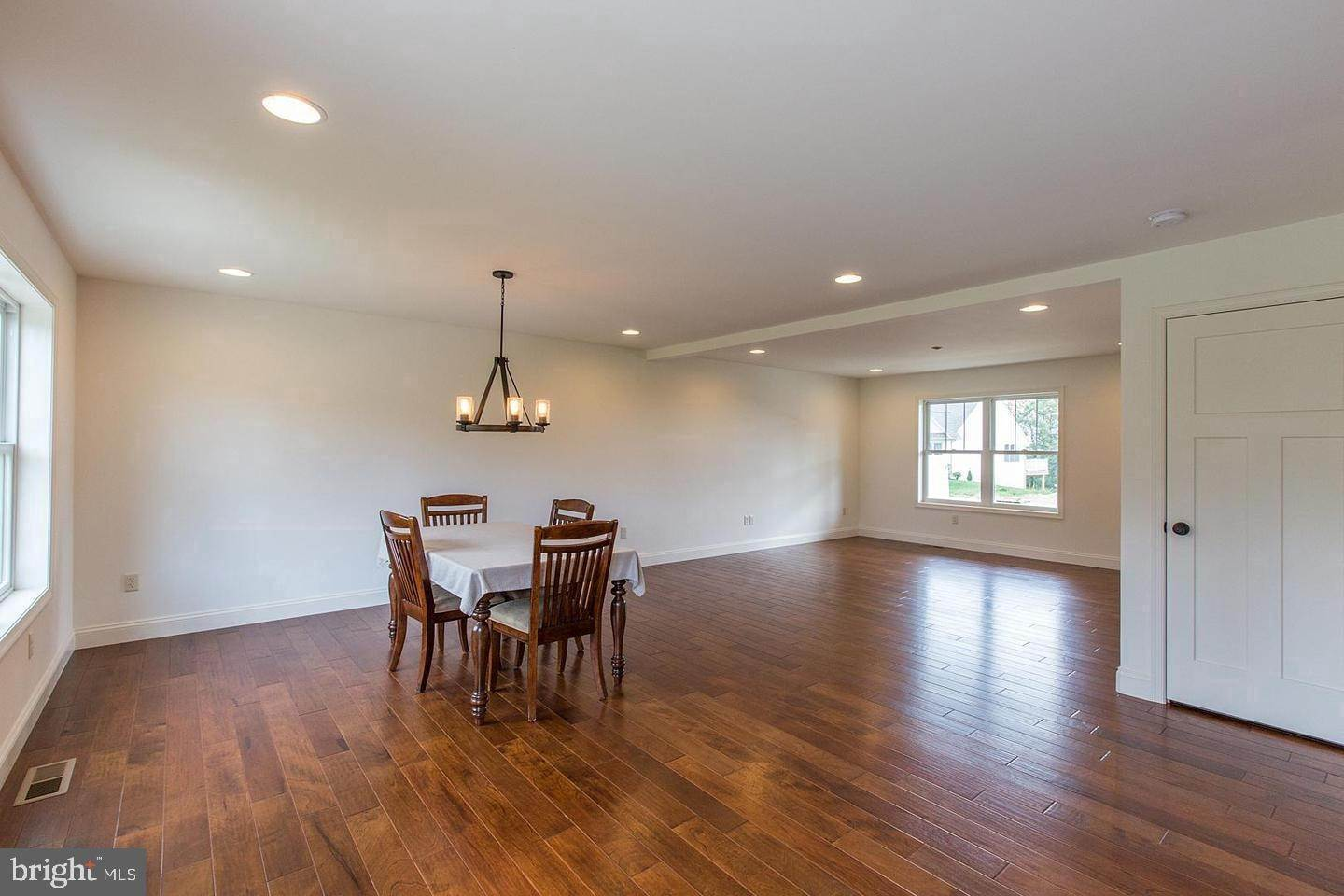 5. Residential for Sale at 1300 TEXTER MOUNTAIN Road Reinholds, Pennsylvania 17569 United States