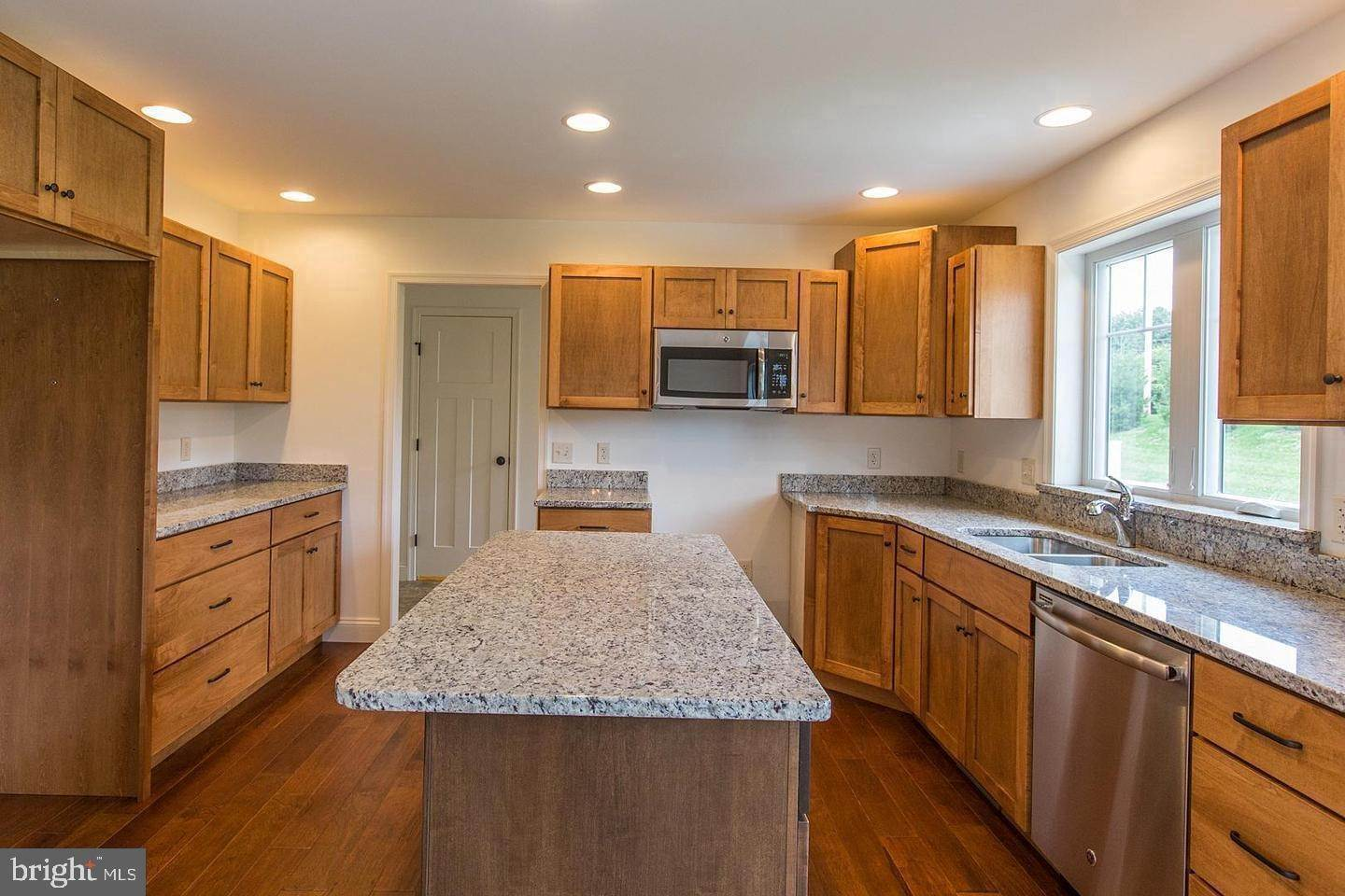 3. Residential for Sale at 1300 TEXTER MOUNTAIN Road Reinholds, Pennsylvania 17569 United States