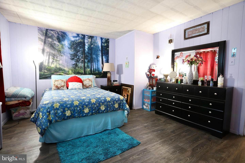 11. Residential for Sale at 405 SAINT JOSEPH Street Lancaster, Pennsylvania 17603 United States