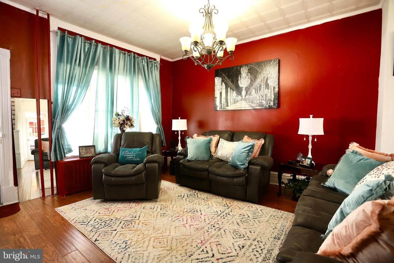 4. Residential for Sale at 405 SAINT JOSEPH Street Lancaster, Pennsylvania 17603 United States