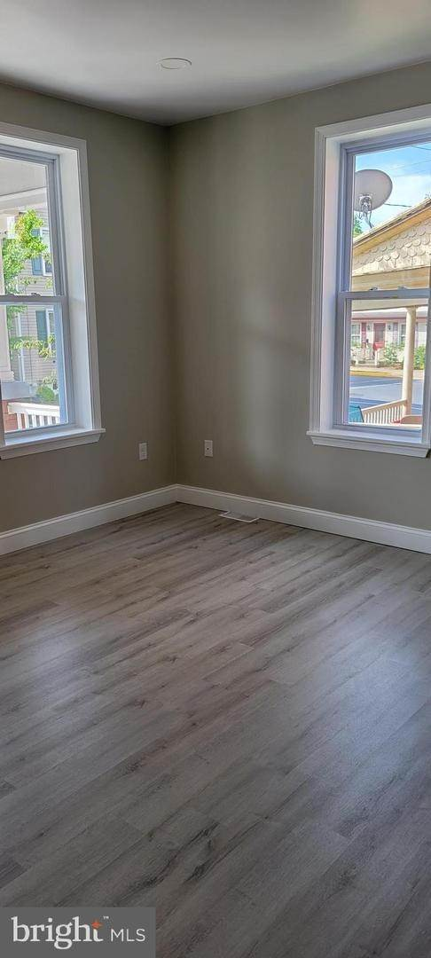 11. Residential for Sale at 8 N 6TH Street Denver, Pennsylvania 17517 United States