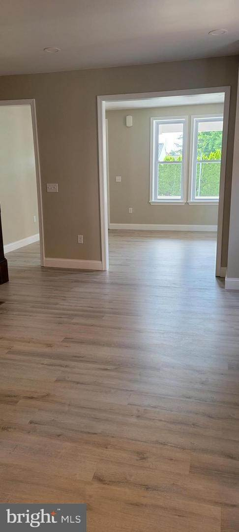 10. Residential for Sale at 8 N 6TH Street Denver, Pennsylvania 17517 United States