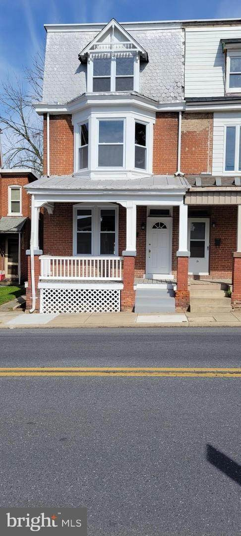 Residential for Sale at 8 N 6TH Street Denver, Pennsylvania 17517 United States