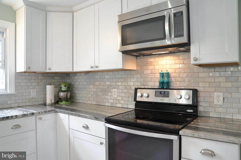 13. Residential for Sale at 44 BLAINE Avenue Leola, Pennsylvania 17540 United States