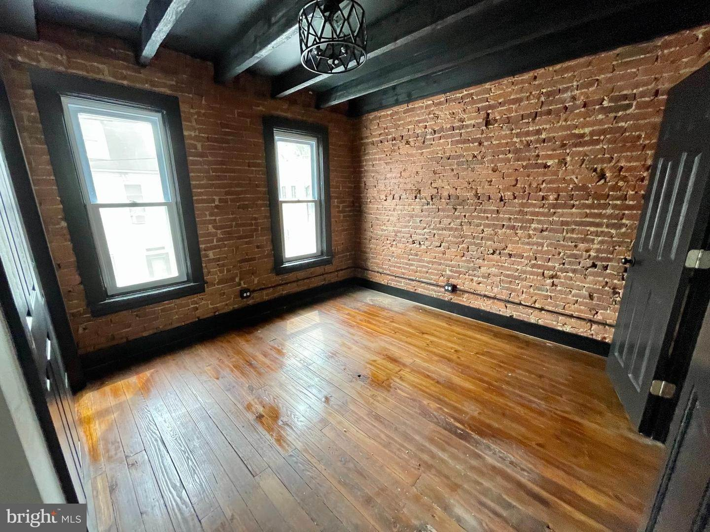 18. Residential for Sale at 445 ATLANTIC Avenue Lancaster, Pennsylvania 17602 United States