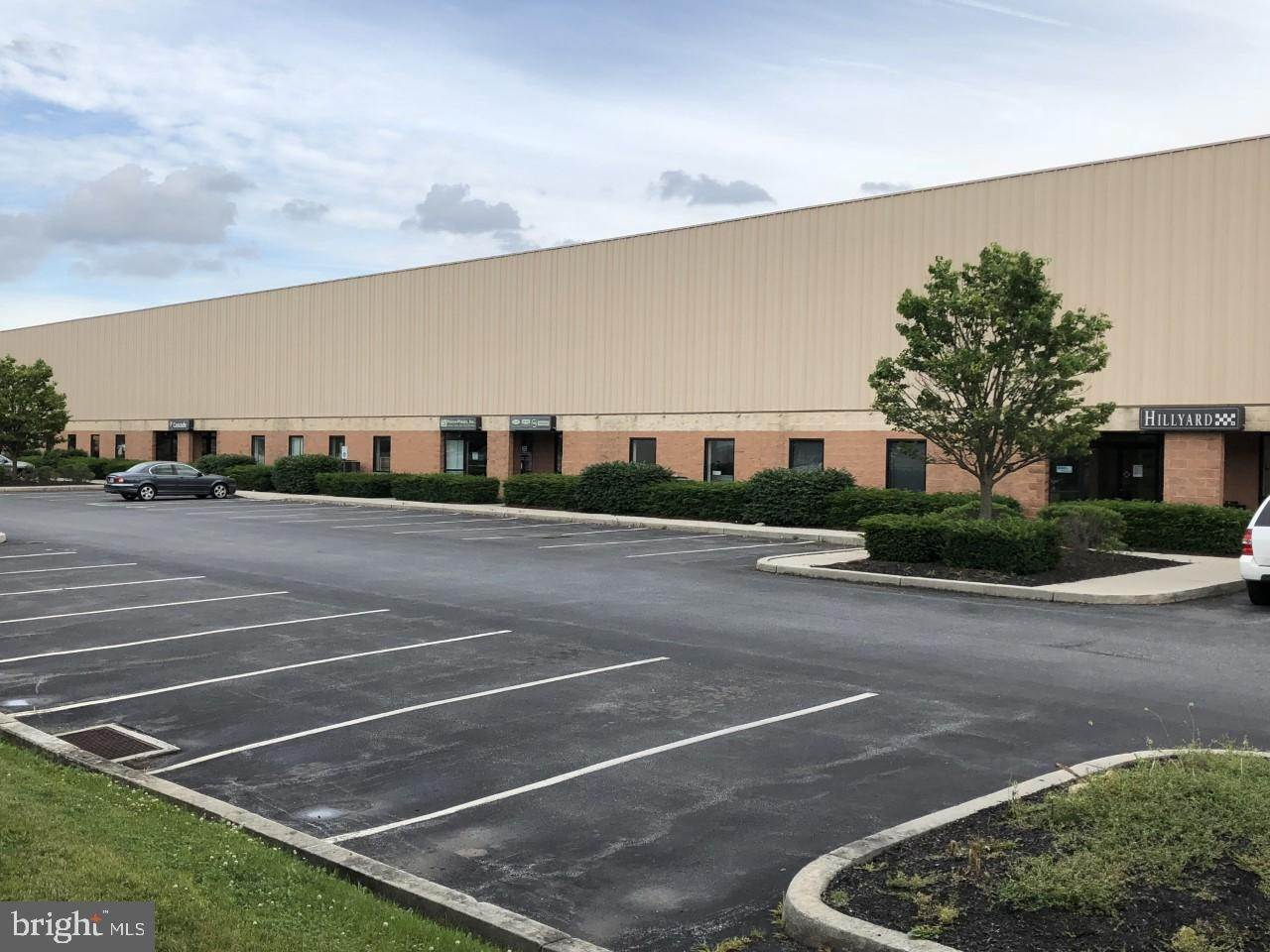 Commercial at 360 STEEL WAY Lancaster, Pennsylvania 17601 United States