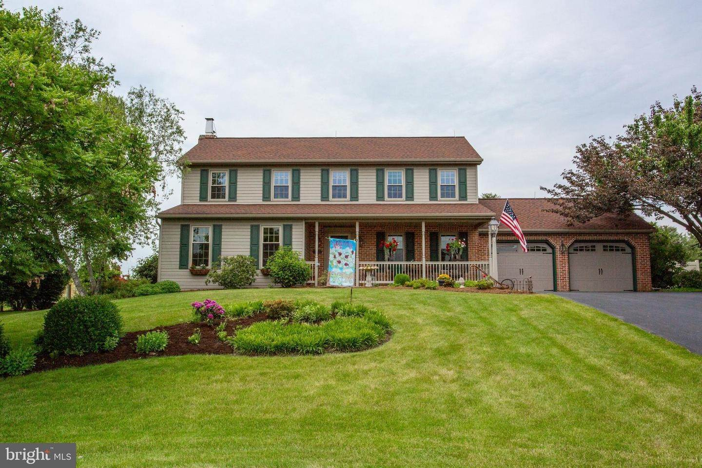 2. Residential for Sale at 1442 HAY FIELD Drive East Earl, Pennsylvania 17519 United States