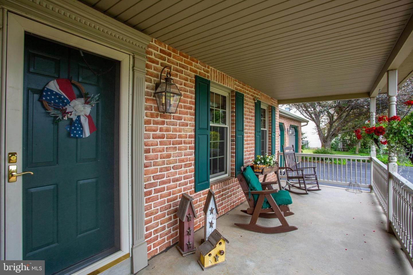 6. Residential for Sale at 1442 HAY FIELD Drive East Earl, Pennsylvania 17519 United States