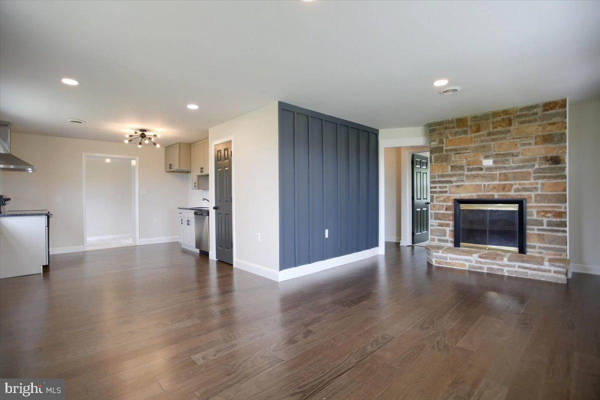 13. Residential for Sale at 4 HARTWICKE Drive Quarryville, Pennsylvania 17566 United States