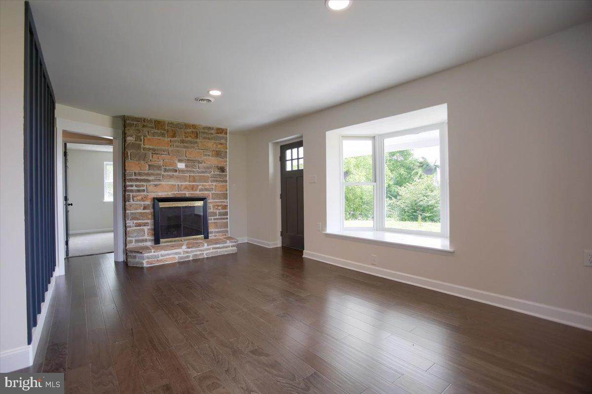 15. Residential for Sale at 4 HARTWICKE Drive Quarryville, Pennsylvania 17566 United States