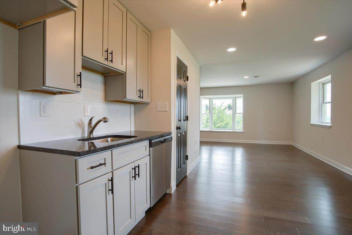 20. Residential for Sale at 4 HARTWICKE Drive Quarryville, Pennsylvania 17566 United States