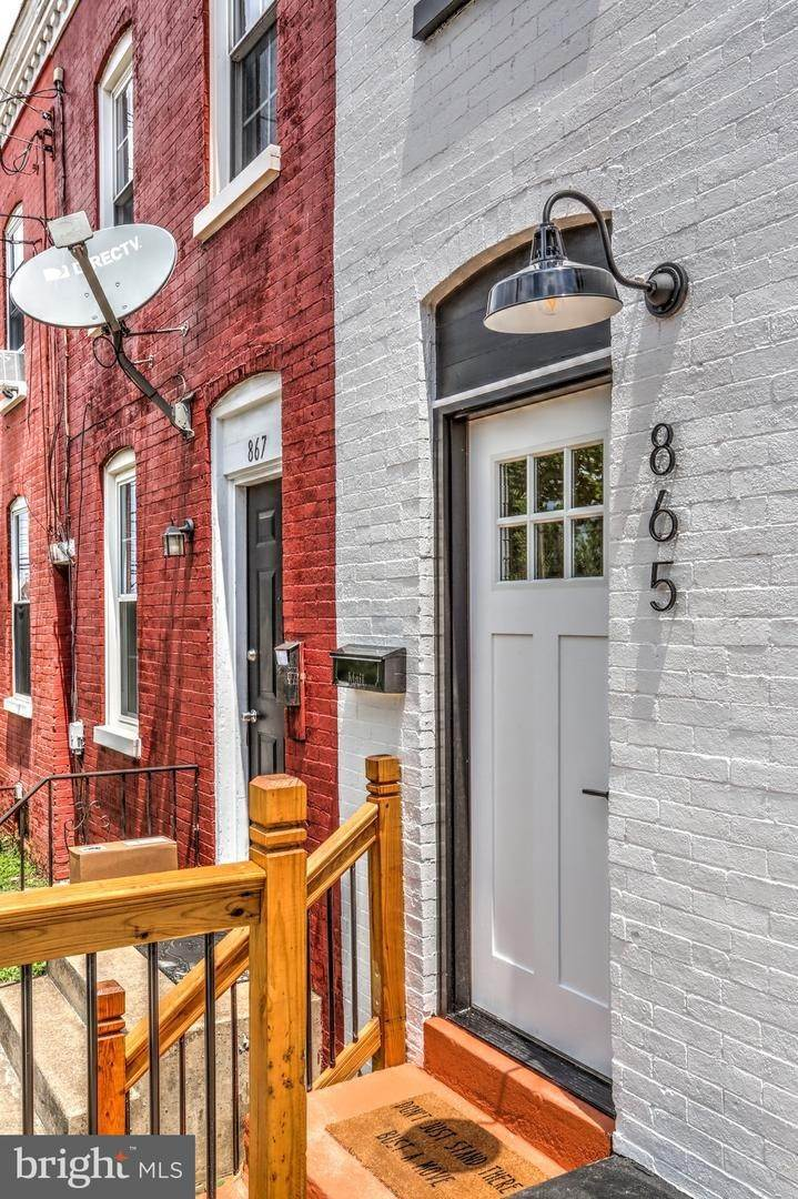 9. Residential for Sale at 865 N PRINCE Street Lancaster, Pennsylvania 17603 United States