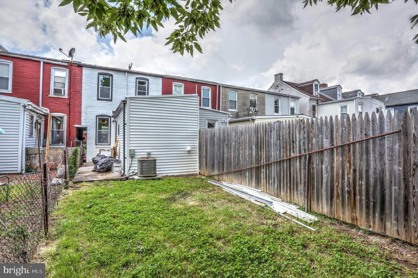 11. Residential for Sale at 865 N PRINCE Street Lancaster, Pennsylvania 17603 United States