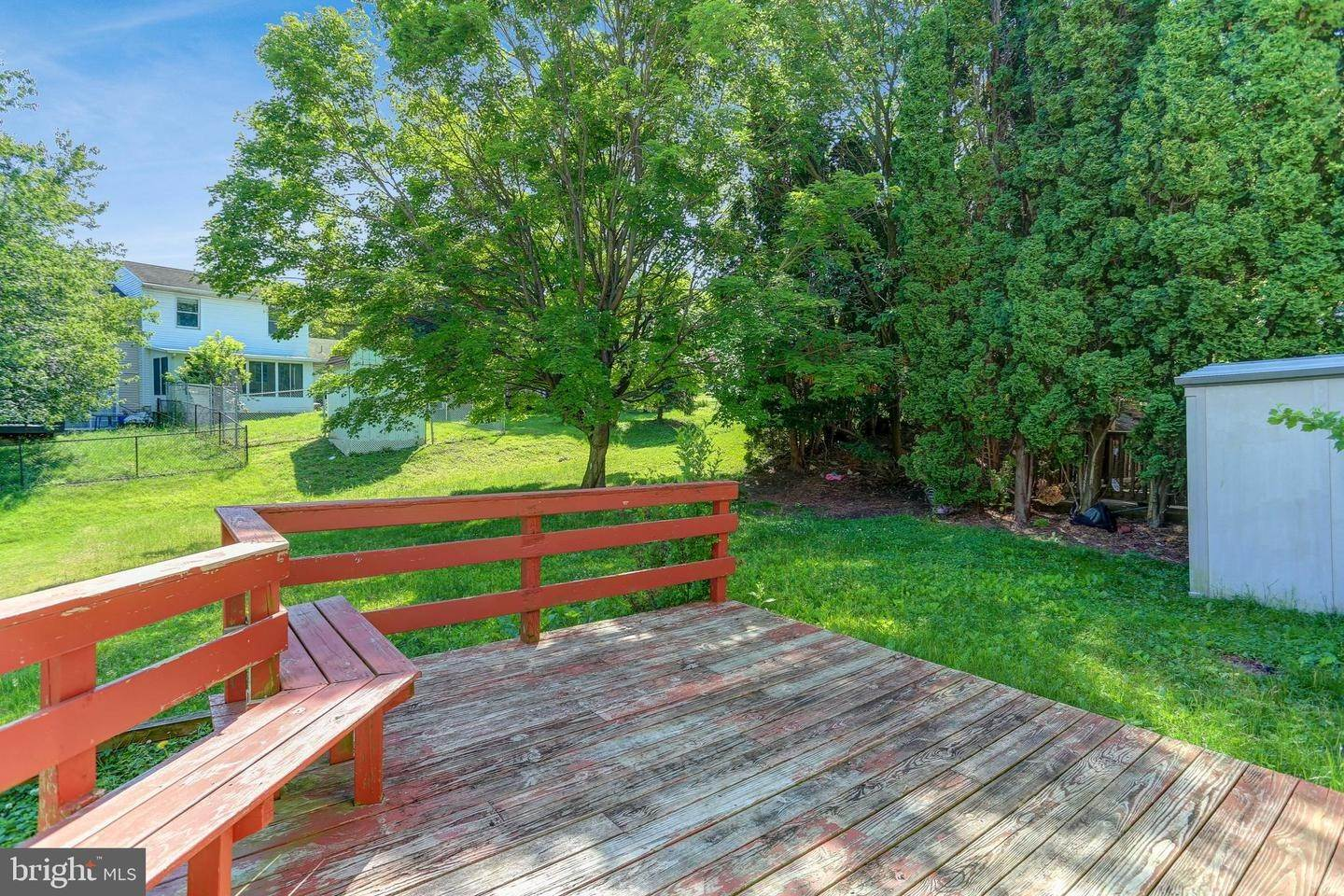 20. Residential for Sale at 6 AMBER Court Millersville, Pennsylvania 17551 United States
