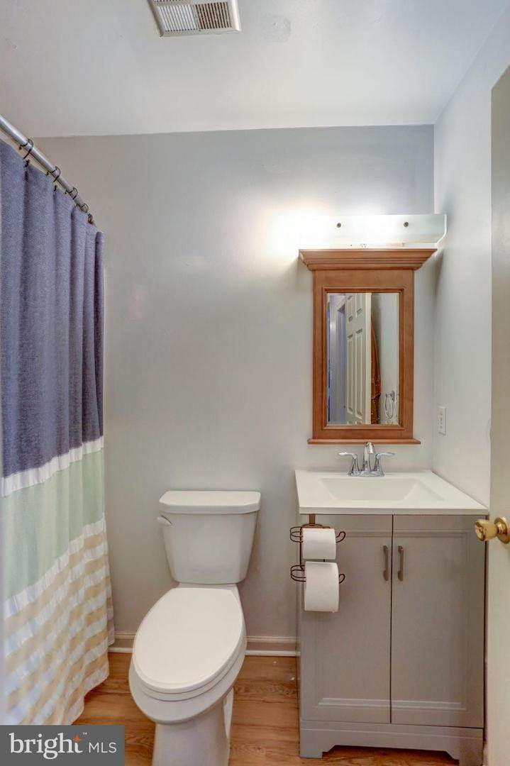 14. Residential for Sale at 6 AMBER Court Millersville, Pennsylvania 17551 United States
