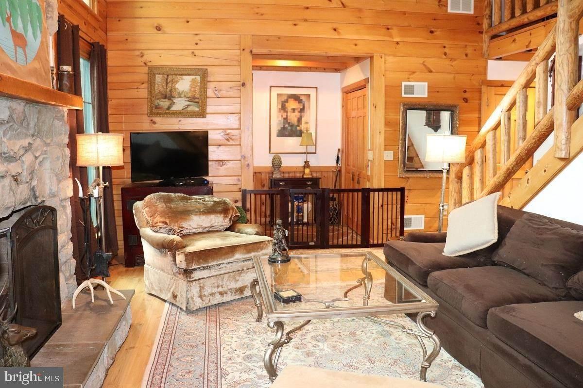 8. Residential for Sale at 1814 MANSION Lane Mount Joy, Pennsylvania 17552 United States