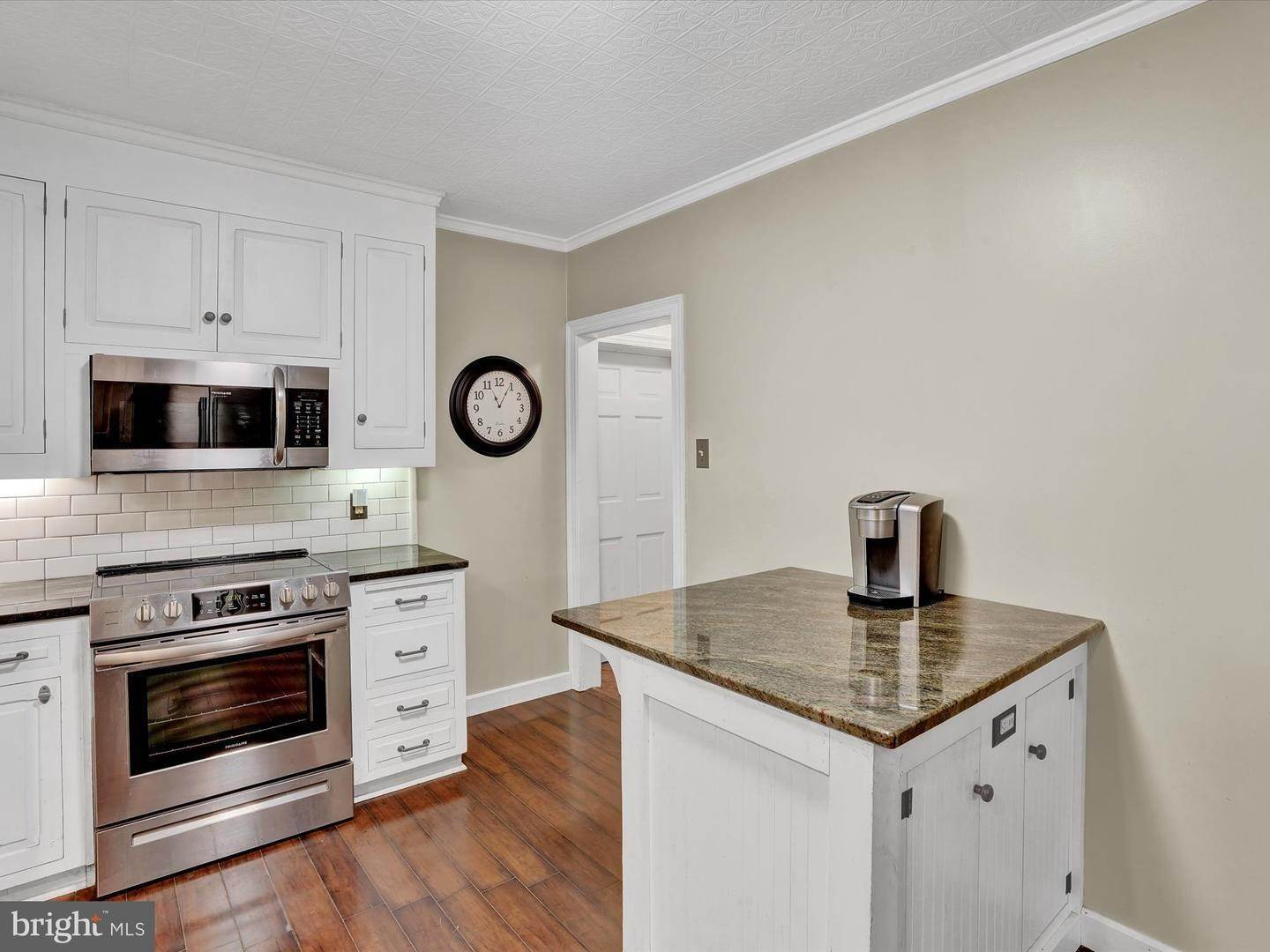 13. Commercial for Sale at 16 S HESS Street Quarryville, Pennsylvania 17566 United States