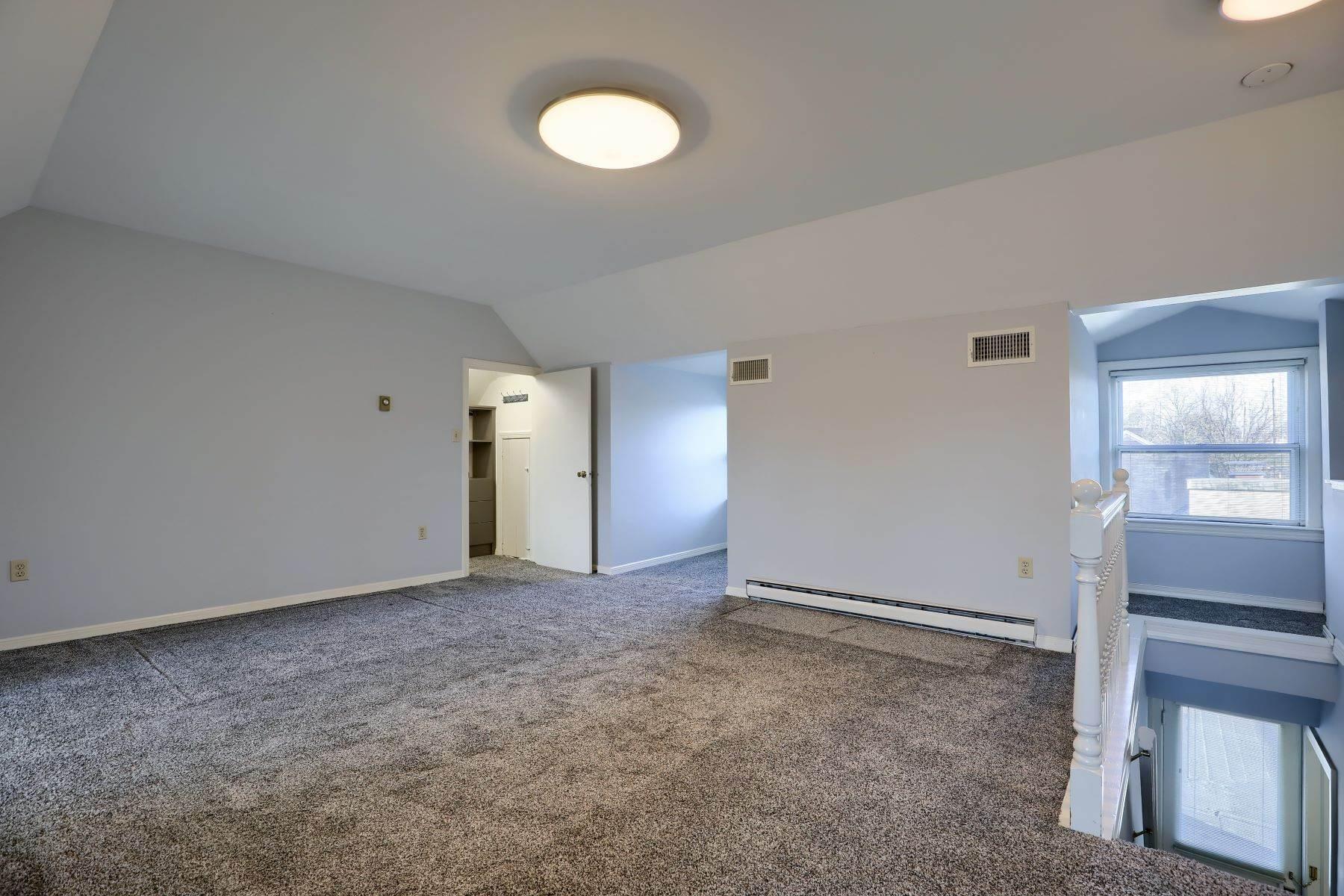 34. Single Family Homes for Sale at 206 E Granada Ave Hershey, Pennsylvania 17033 United States