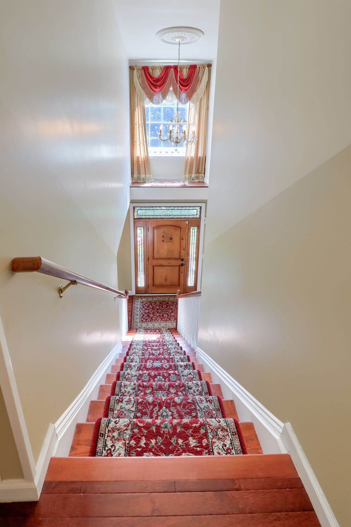 19. Single Family Homes for Sale at 195 W Millport Road Lititz, Pennsylvania 17543 United States