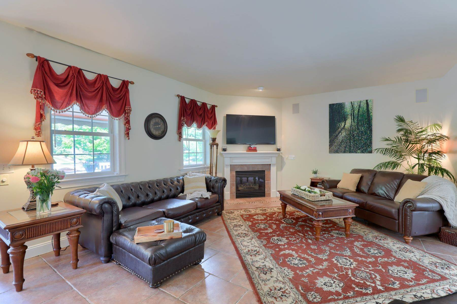 11. Single Family Homes for Sale at 195 W Millport Road Lititz, Pennsylvania 17543 United States