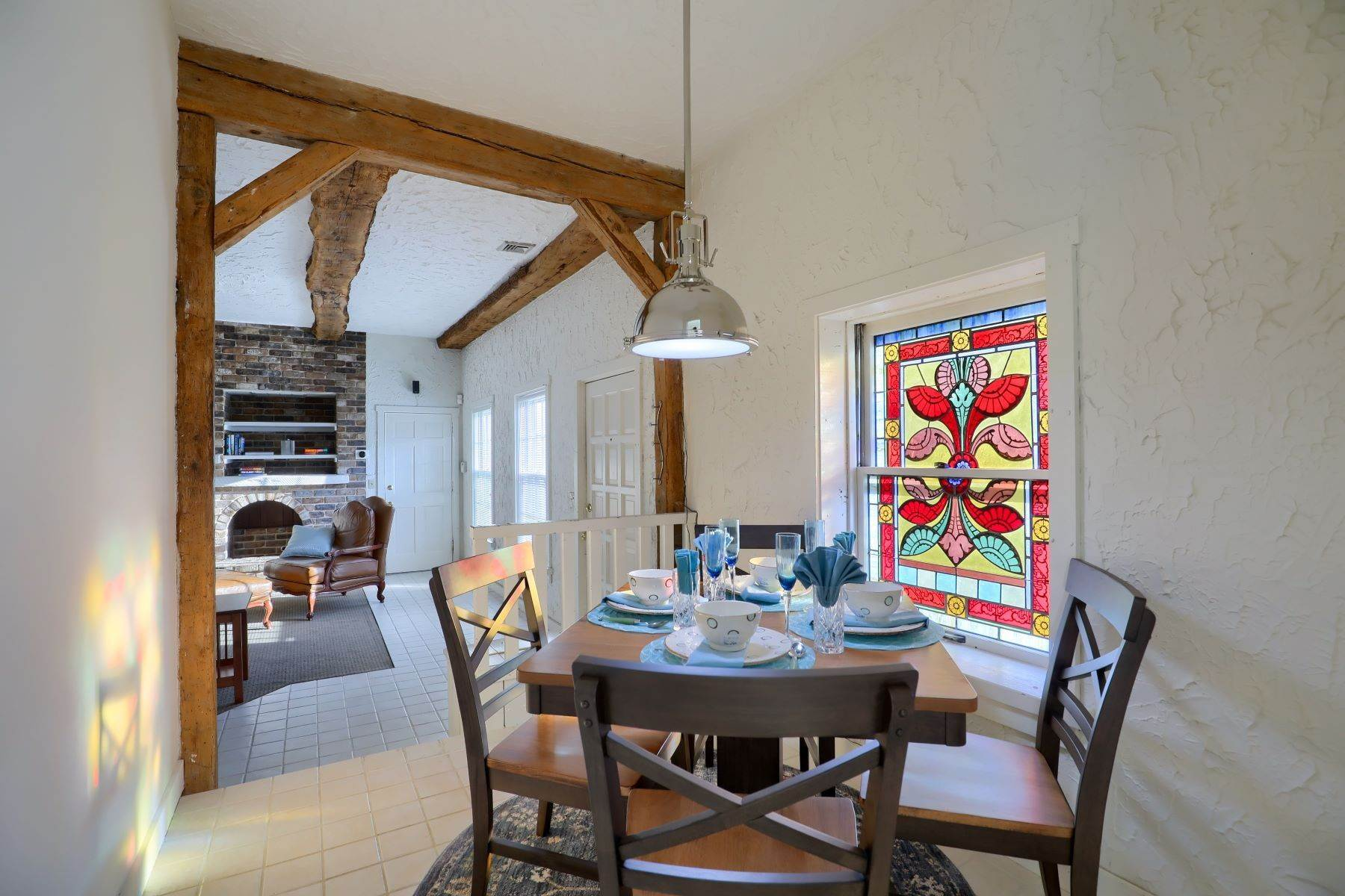 18. Single Family Homes for Sale at 206 E Granada Ave Hershey, Pennsylvania 17033 United States