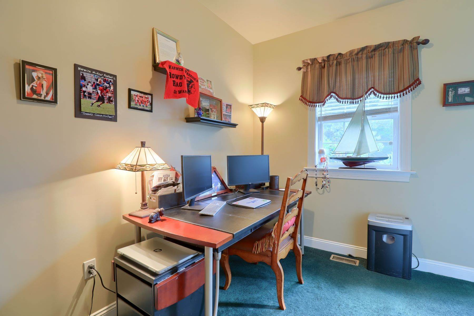 18. Single Family Homes for Sale at 195 W Millport Road Lititz, Pennsylvania 17543 United States