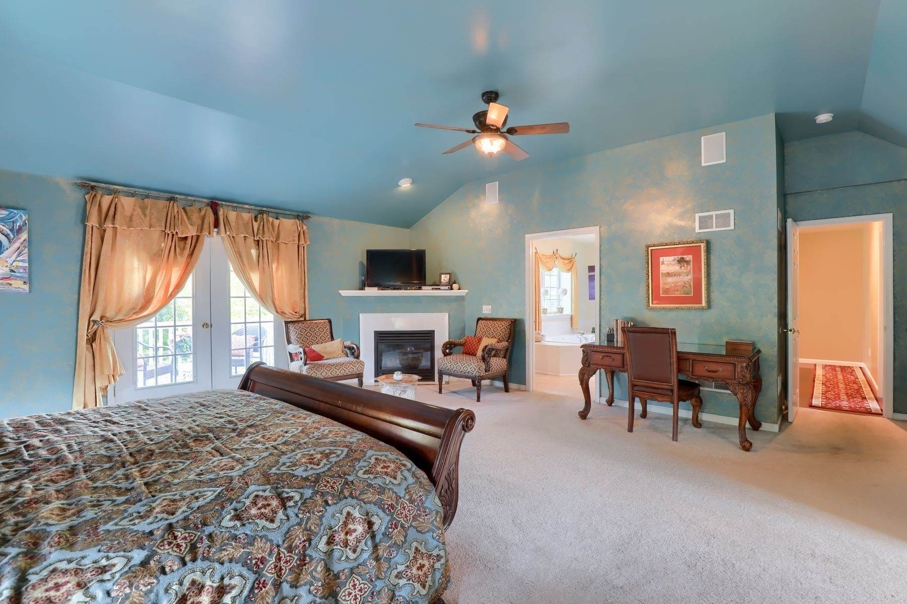 20. Single Family Homes for Sale at 195 W Millport Road Lititz, Pennsylvania 17543 United States