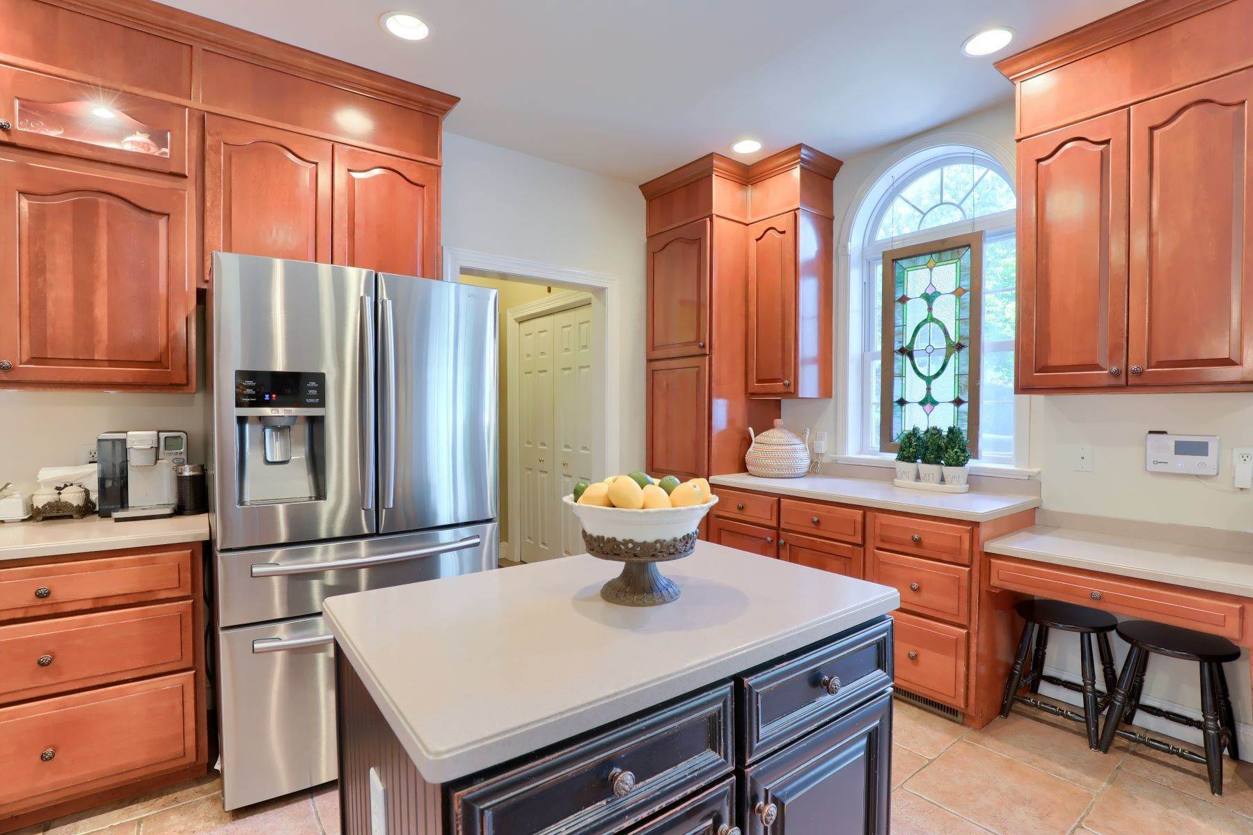 17. Single Family Homes for Sale at 195 W Millport Road Lititz, Pennsylvania 17543 United States