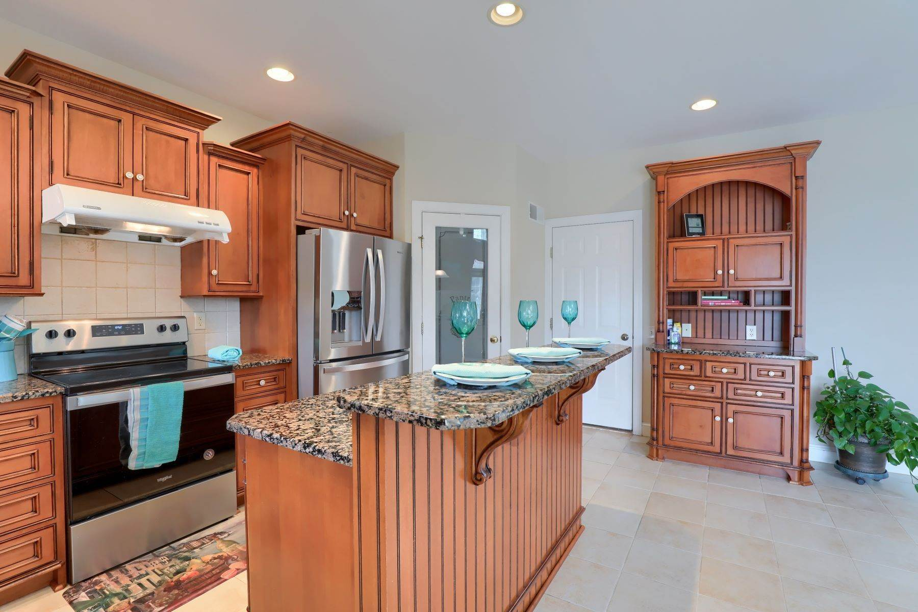 10. Single Family Homes for Sale at 18 Jared Place Lititz, Pennsylvania 17543 United States