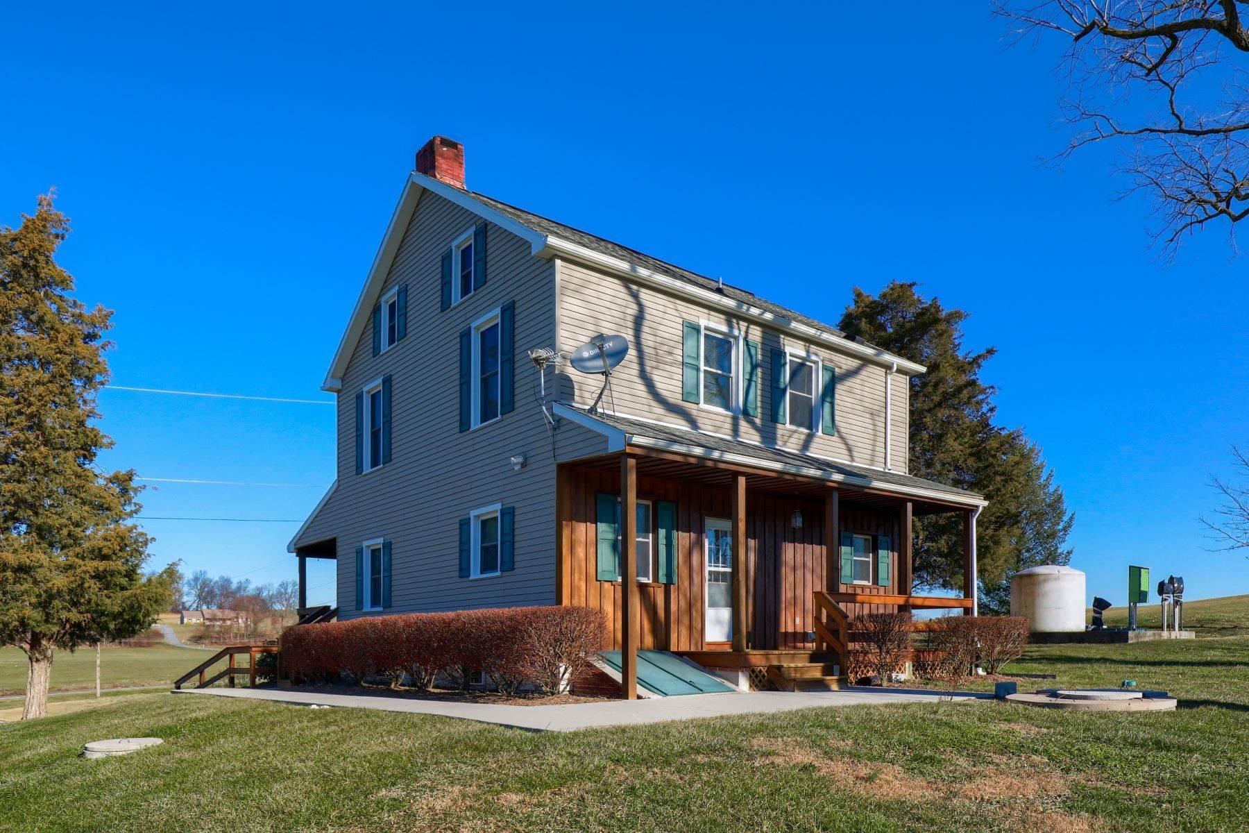 16. Farm and Ranch Properties for Sale at 4400 Irish Creek Road Bernville, Pennsylvania 19506 United States