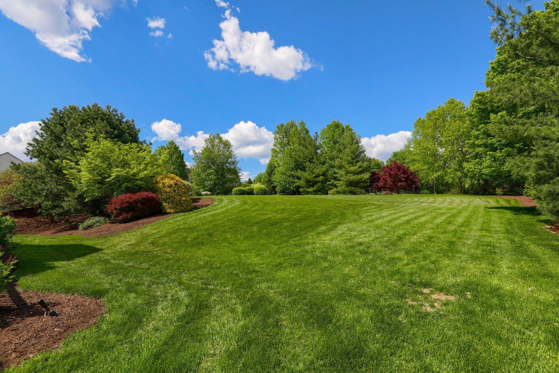 42. Single Family Homes for Sale at 195 W Millport Road Lititz, Pennsylvania 17543 United States