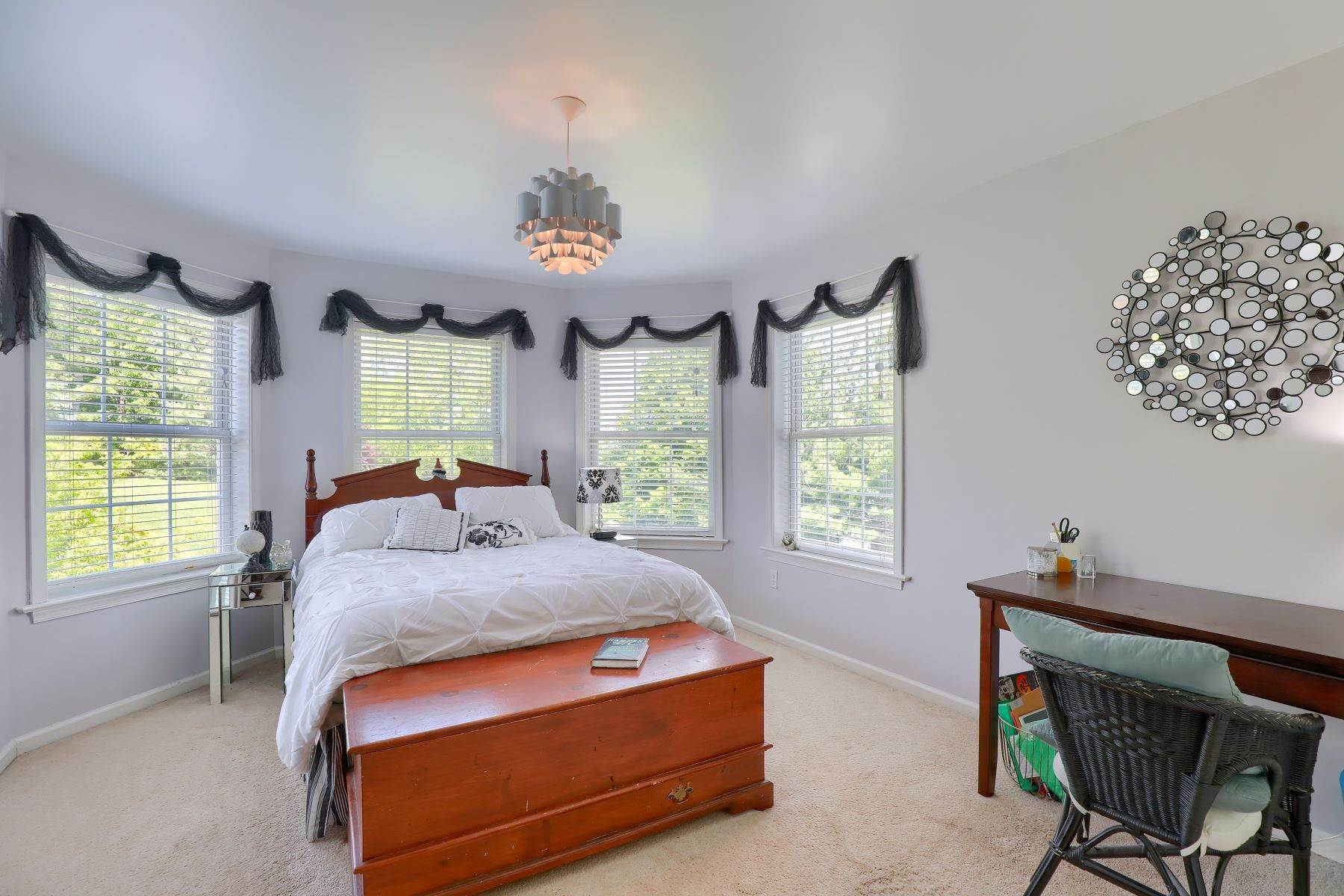 30. Single Family Homes for Sale at 195 W Millport Road Lititz, Pennsylvania 17543 United States