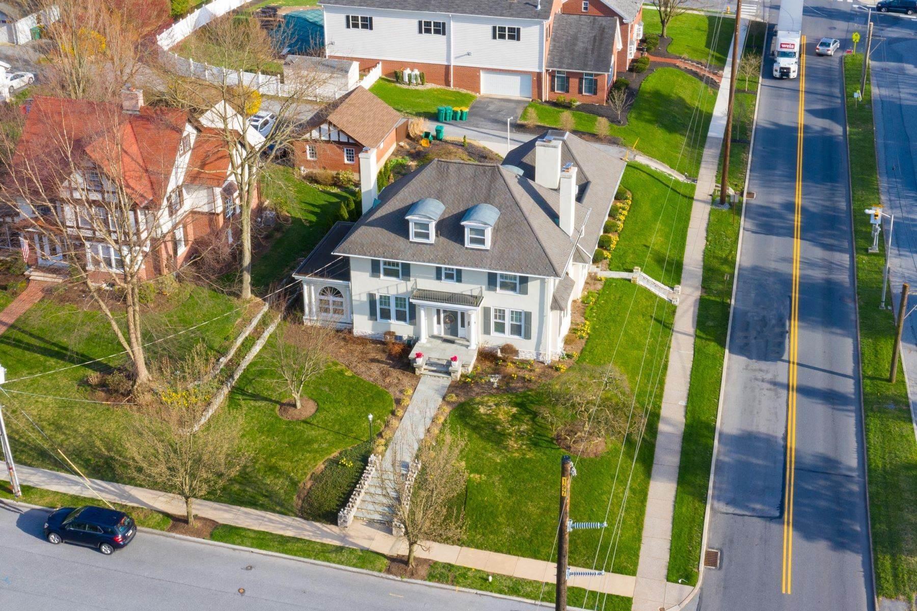 Single Family Homes for Sale at 206 E Granada Ave Hershey, Pennsylvania 17033 United States