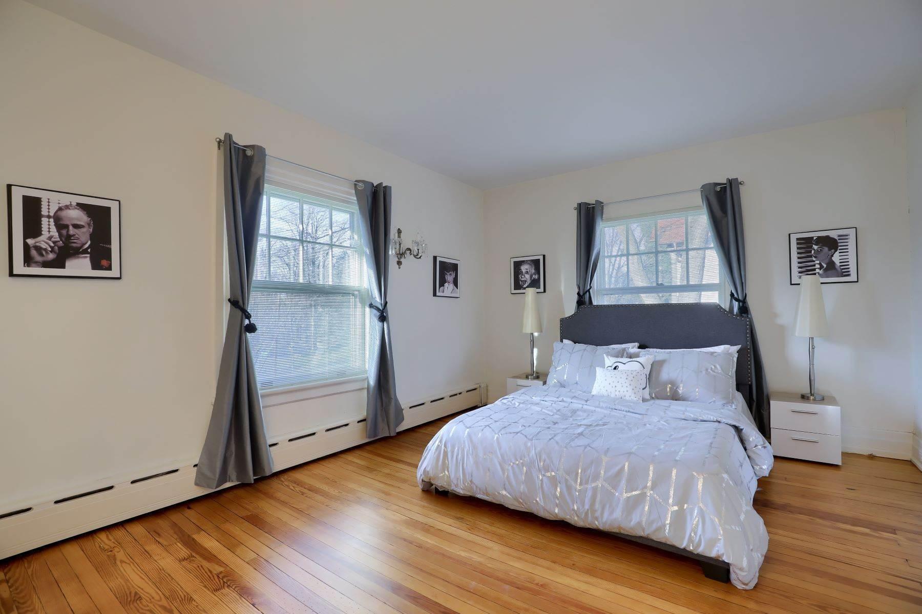 26. Single Family Homes for Sale at 206 E Granada Ave Hershey, Pennsylvania 17033 United States