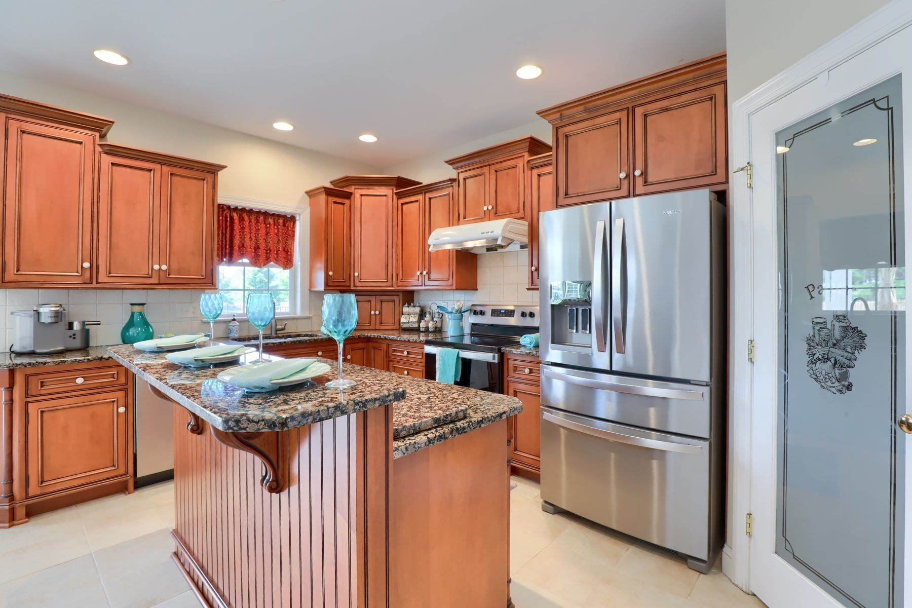 9. Single Family Homes for Sale at 18 Jared Place Lititz, Pennsylvania 17543 United States