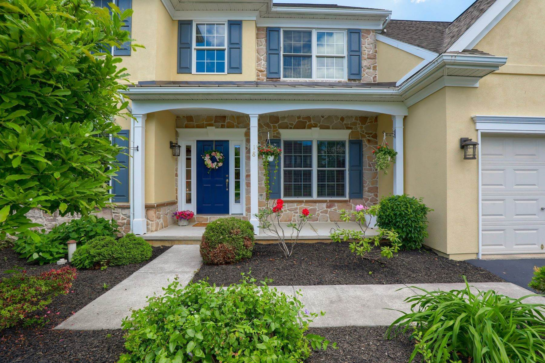 43. Single Family Homes for Sale at 18 Jared Place Lititz, Pennsylvania 17543 United States