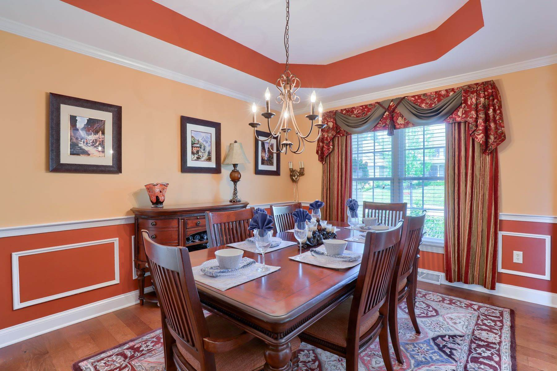 15. Single Family Homes for Sale at 18 Jared Place Lititz, Pennsylvania 17543 United States