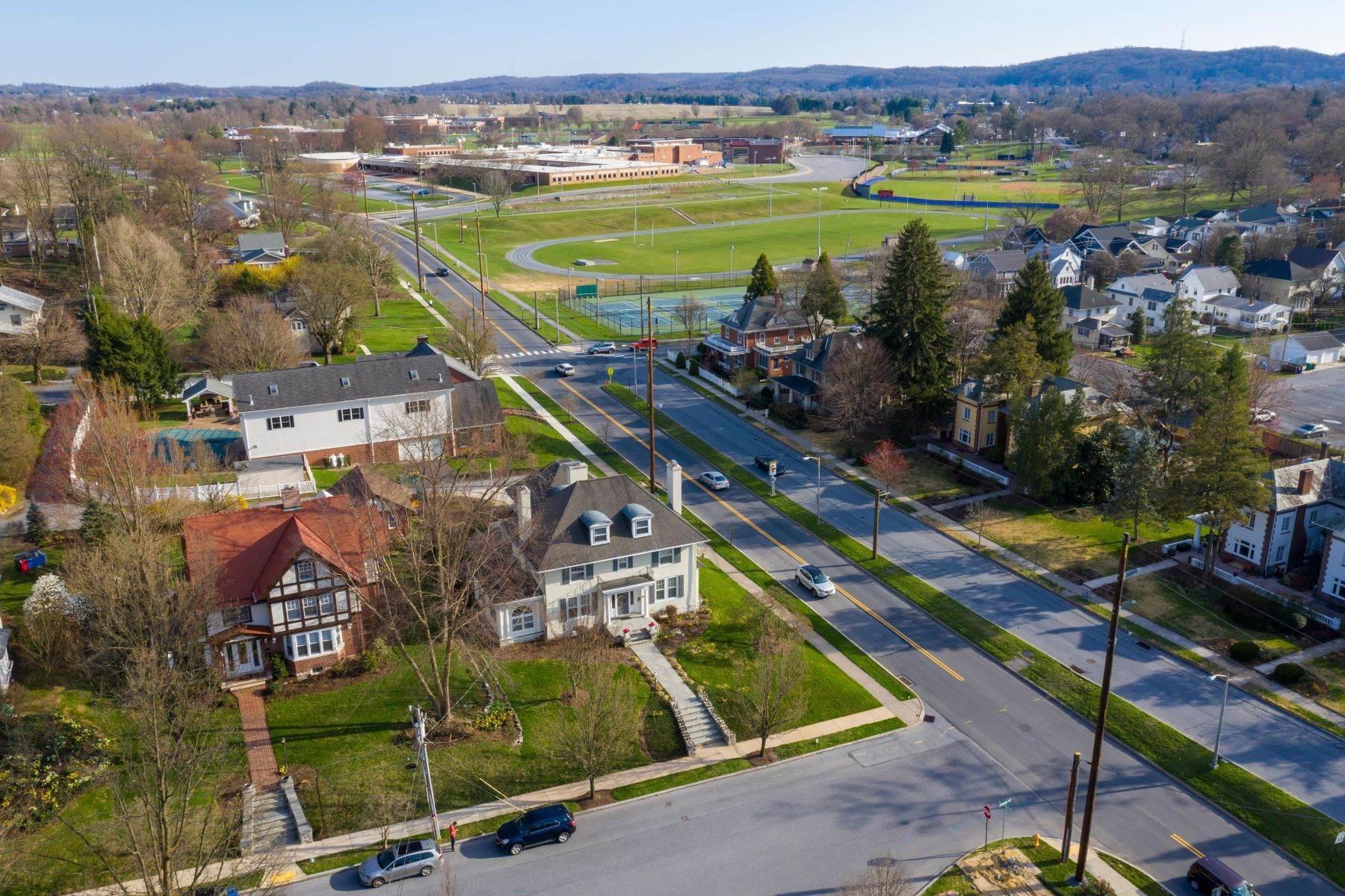 45. Single Family Homes for Sale at 206 E Granada Ave Hershey, Pennsylvania 17033 United States