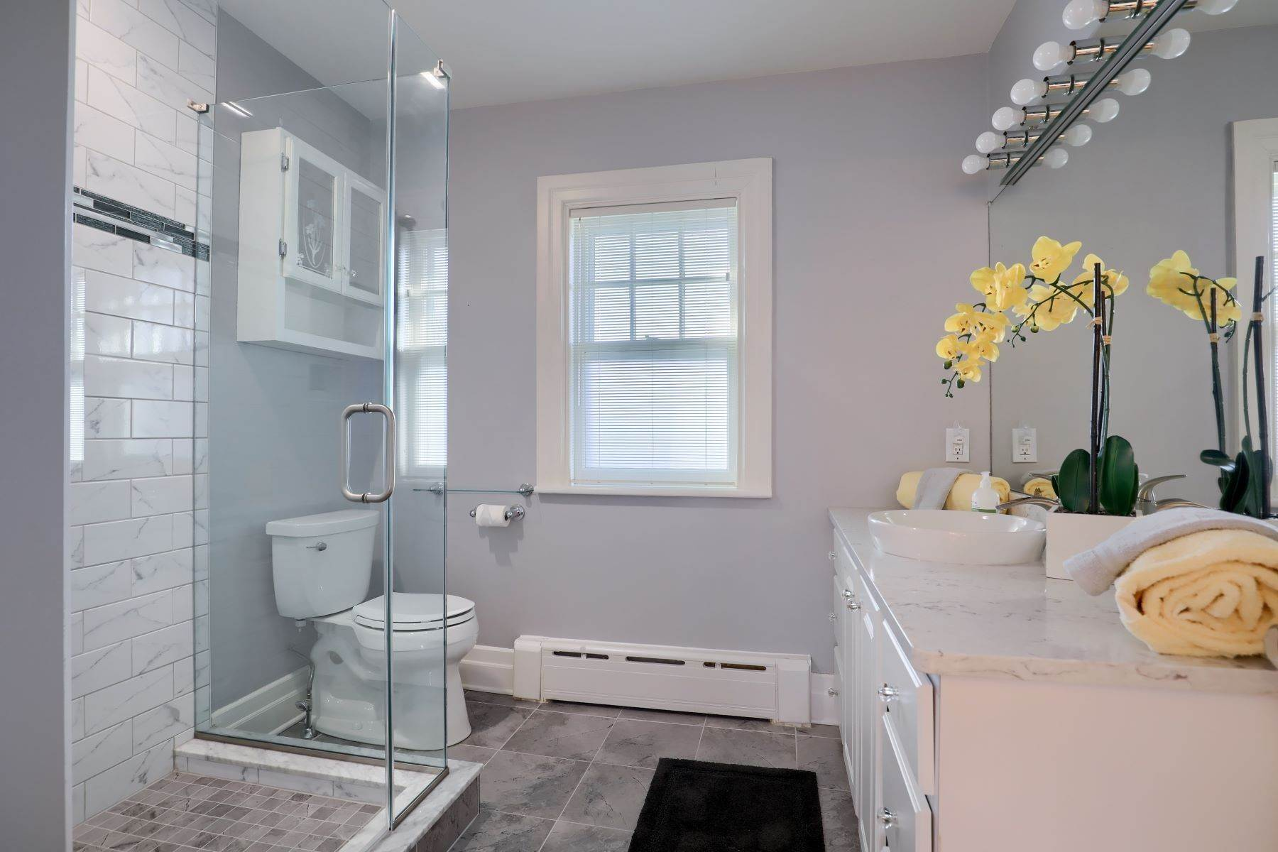 29. Single Family Homes for Sale at 206 E Granada Ave Hershey, Pennsylvania 17033 United States