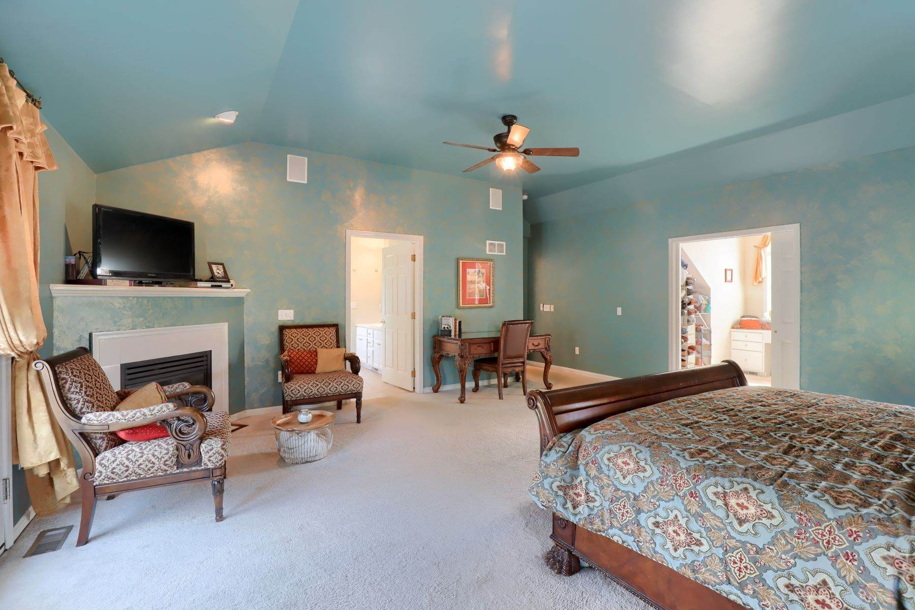 22. Single Family Homes for Sale at 195 W Millport Road Lititz, Pennsylvania 17543 United States