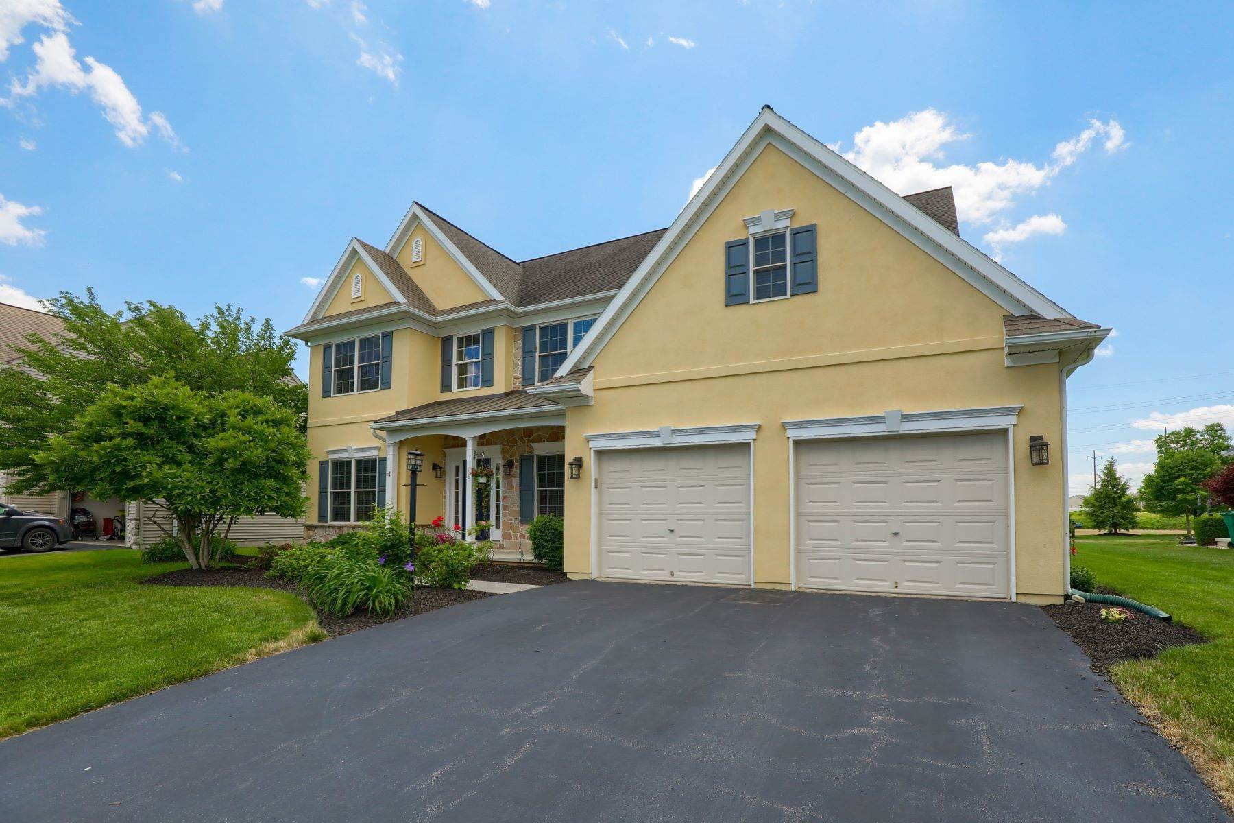 44. Single Family Homes for Sale at 18 Jared Place Lititz, Pennsylvania 17543 United States